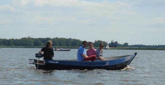 Bedrijfsuitje op het water – Lekker touren door Giethoorn